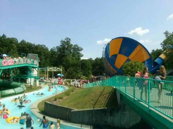 The Great Escape and Splashwater Kingdom : It is small for a Six Flags Park but I enjoyed the Water Park