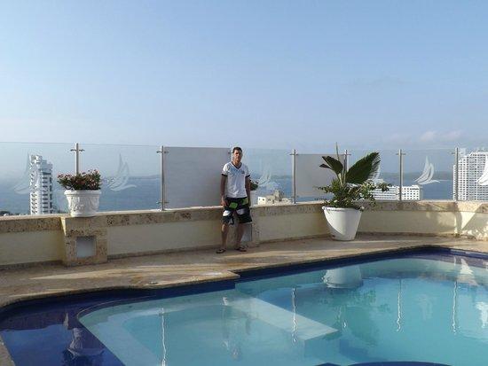 Hotel Regatta Cartagena: Piscina del piso 18