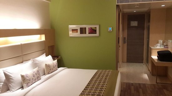 The Raintree Hotel - Anna Salai : Spacious Bedroom