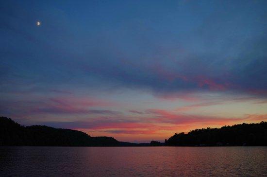 Ogopogo Resort on Mountain Lake : View while paddling on Mountain Lake