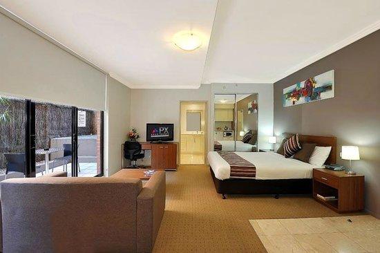 โรงแรมเควสท์ออนดิกซันดาร์ลิงฮาร์เบอร์