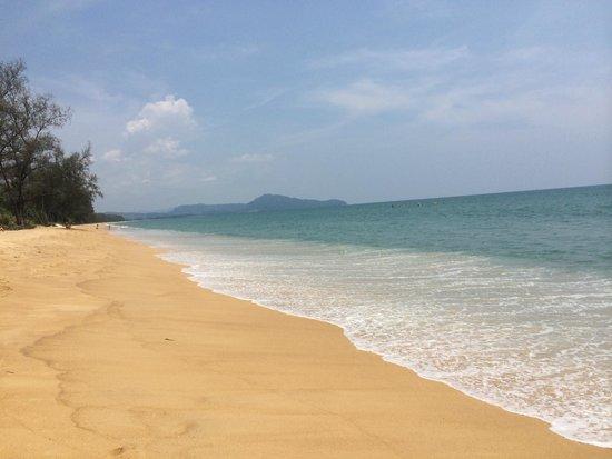 JW Marriott Phuket Resort & Spa: Mai Khao Beach-taken right in front of the hotel...
