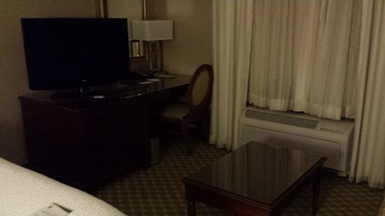 Fairfield Inn Boston Sudbury: TV