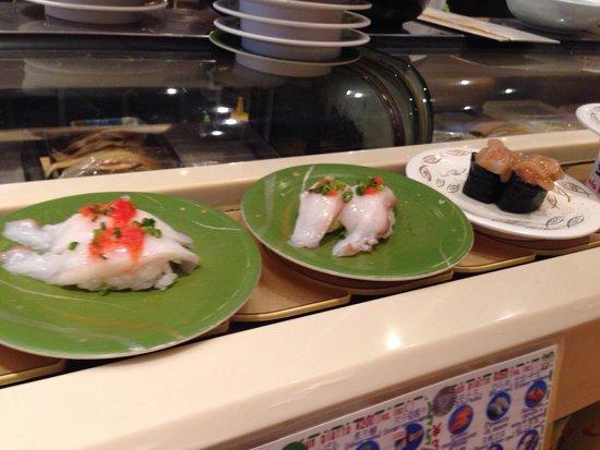 Himawari Zushi Shintoshin: Il 9/9/2015 buon sushi, locale pulito e personale molto gentile... Vasto menù prezzi modici...