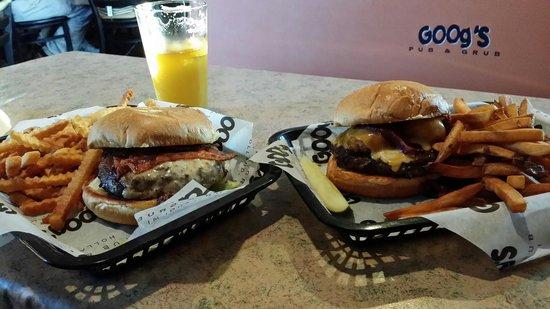 Goog's Pub & Grub : The Phoenix and The Cheesy Tator burger!