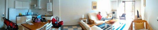 Green Sea Apart Hotel: living comedor