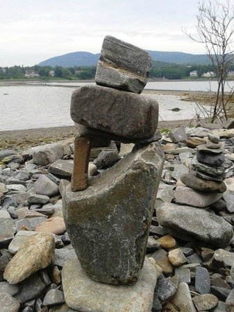 Bar Island Trails: Stone Balancing made by the Tourists