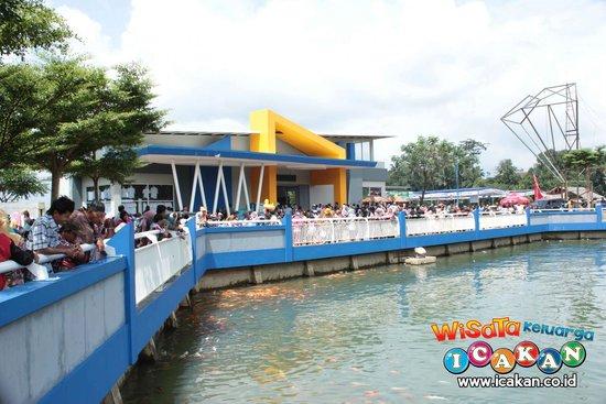 Mega Wisata Icakan Picture Of Icakan Family Amusement Park
