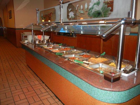 Asian Buffet : 1 of the 3 buffet lines