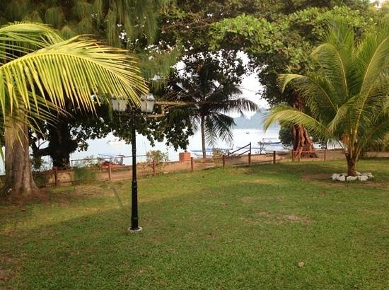 Pangkor Sandy Beach Resort: beach in front of chalet