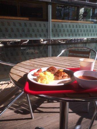 APA Villa Hotel Kyoto Ekimae: 朝食をテラスで