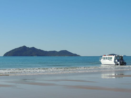 Mission Beach Dunk Island Water Taxi: Dunk Island and Taxi