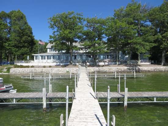 Hubbard Lake, MI: View looking at the Inn from the dock