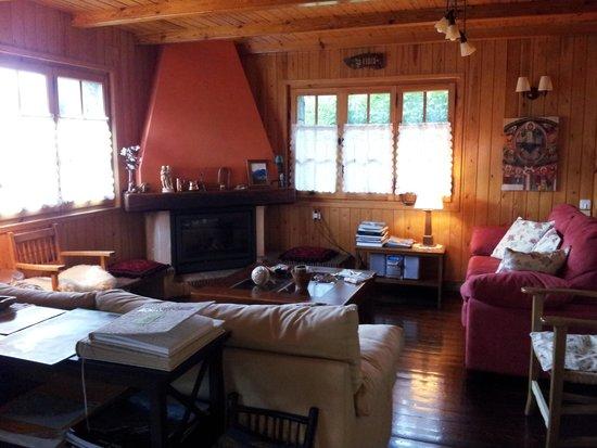 El Xalet De Taull Hotel Rural : living room