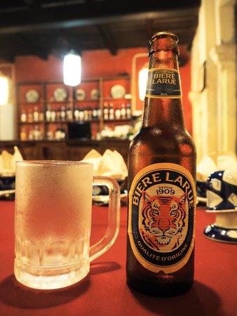 Moon Restaurant & Lounge: ビールが冷えてておいしい