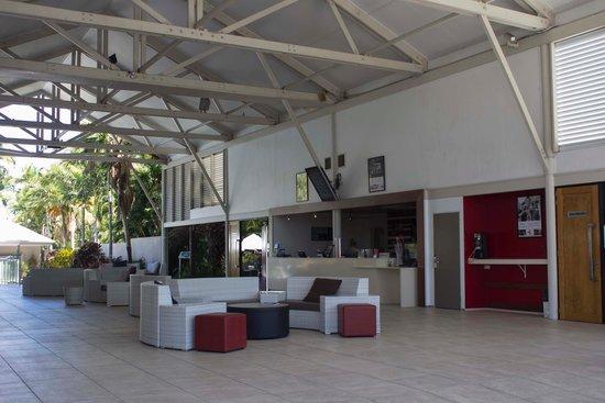 Mercure Townsville: Reception