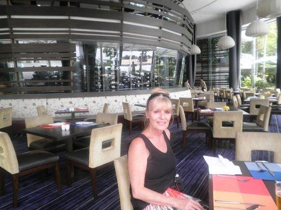 River Barge : Restaurant