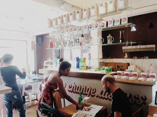 Seniman Coffee Studio: Coffee bar