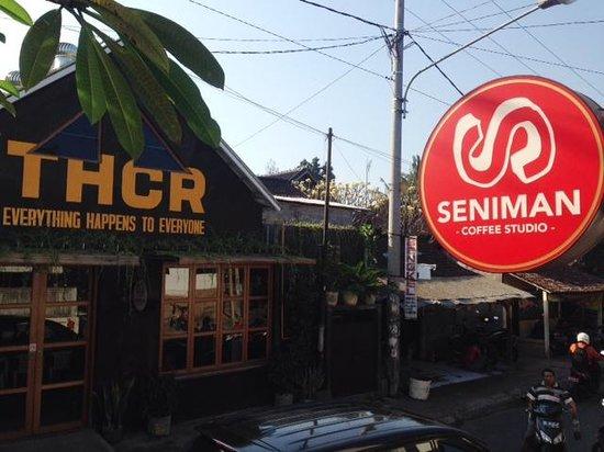 Seniman Coffee Studio: Seniman Coffee