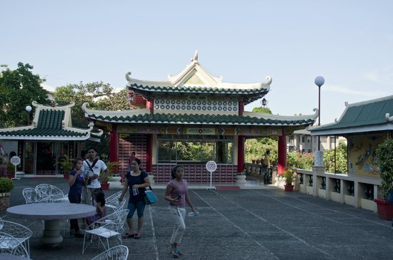 Taoist Temple: One of the many temples