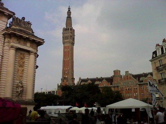 Beffroi de Lille : Le Beffroi dans toute sa splendeur
