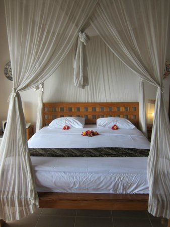 Lembongan Cliff Villas: Rooms are spacious and beautiful with good A/C