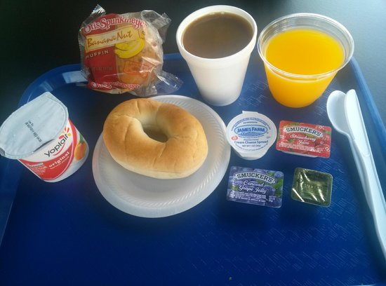 The Beach Plaza Hotel: Continental breakfast.