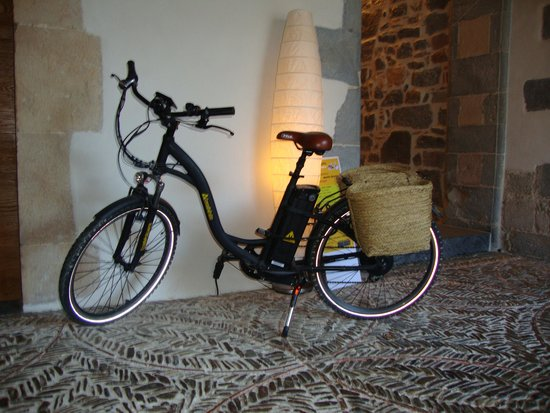 Hotel Roncesvalles: Tempting to get on the bike...