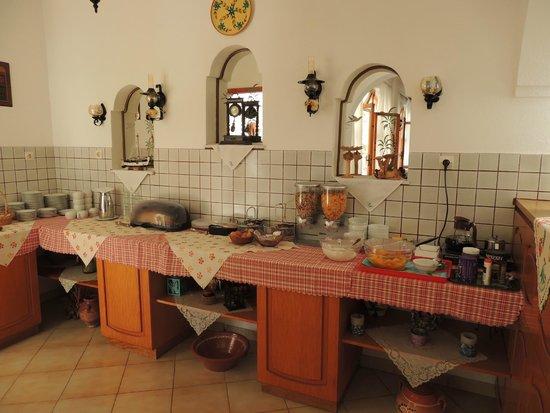 Armonia Hotel: ontbijt buffet