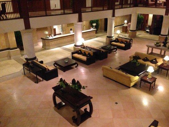 Furama Resort Danang: Lobby