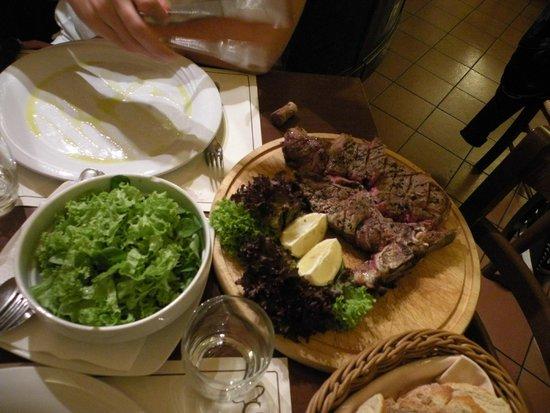 Trattoria Osteria Da Que' Ganzi : Флорентийский стейк