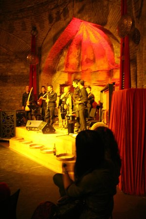 Hodjapasha Cultural Center: show: Rhythm of the Dance