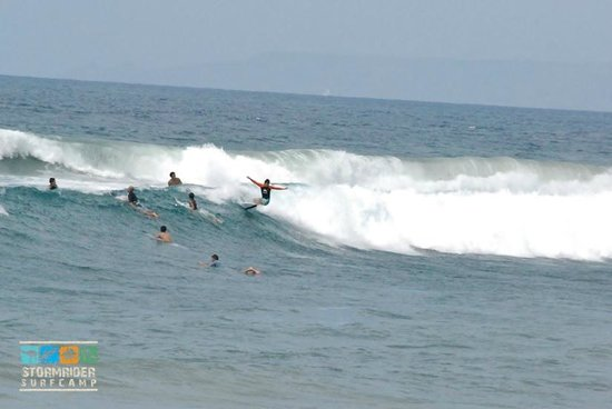 Stormrider Surfcamp Bali: Surfing in Paradies ;)