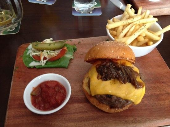 the Moose & Roo Pub & Grill: Beef burger with cheddar cheese.
