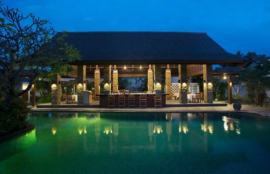 The Samaya Bali Seminyak: Brasserie Restaurant at Courtyard