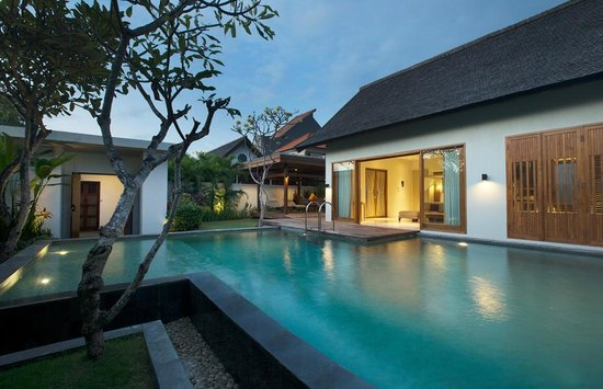 The Samaya Bali Seminyak: Huge Pool at Courtyard