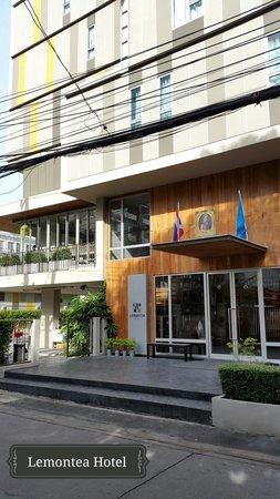 Lemontea Hotel: Front of the hotel