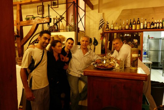 Celler El Moli: The wonderful staff and lovely waitres at El Moli