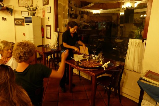 Celler El Moli: My favorite waitress at El Moli.