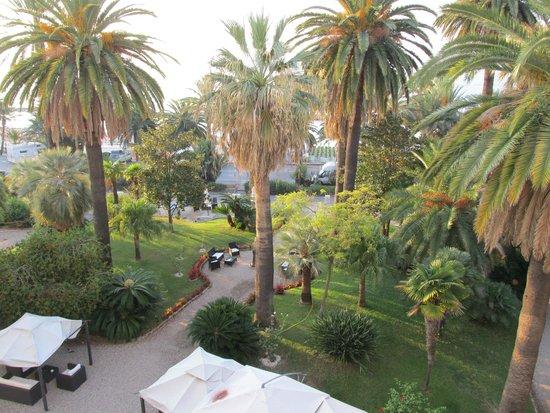 Miramare The Palace Hotel: Vista mare e giardino