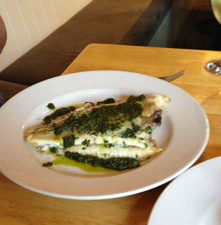 Hunkydory Restaurant: Grilled Plaice, salsa verde (pots served on side)