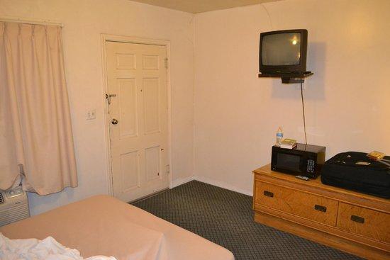 Budget Inn: Chambre salle