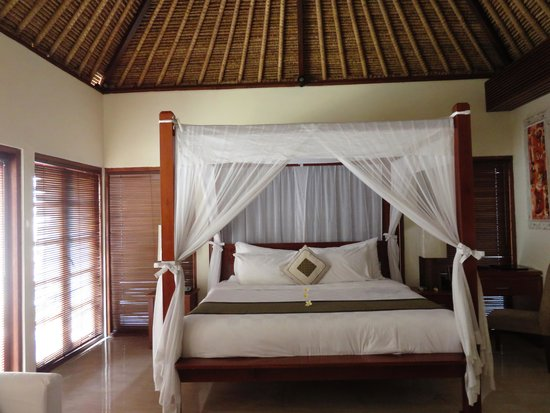 Balibaliku Beach Front Luxury Private Pool Villa: bed