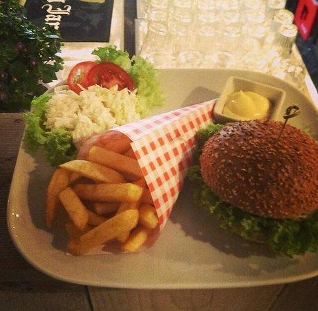 Photo of Pub Café Parket at Nieuwe Binnenweg 9a, Rotterdam 3014GA, Netherlands