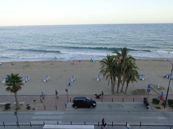 Allon Mediterrania Hotel : Vistas desde la habitación