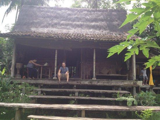 Bambu indah front porch afrika house