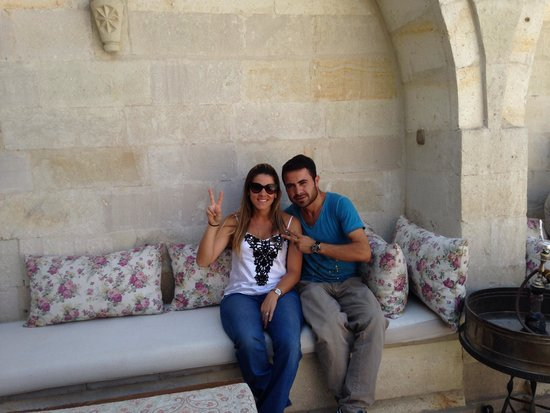 Vezir Cave Suites: Me and Mustafa at the hotel! ✌️