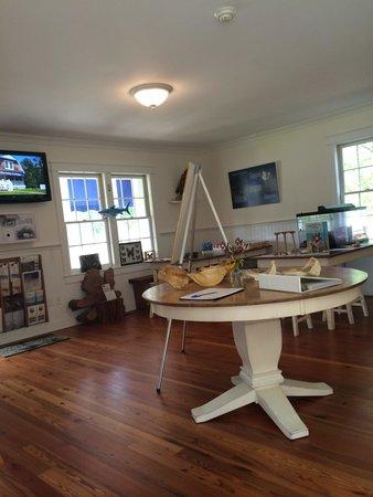 Bethany Beach Nature Center: Inside building