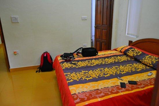 Bougainvillea Guest House Goa: The bedroom