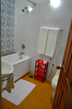 Bougainvillea Guest House Goa: Perfectly clean bathrooms